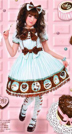 http://hellolace.net/lolita/style_ama12.jpg