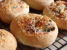 Garlic Parmesan Dinner Rolls!