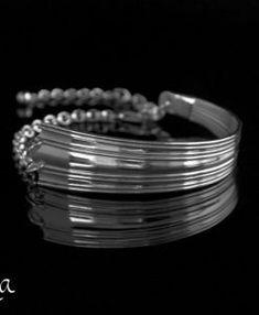 hopeinen rannekoru lusikoista Fork Jewelry, Bangles, Bracelets, Spoon, Arm Bracelets, Bracelet, Cuff Bracelets, Bangle, Super Duo