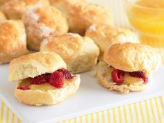 Lemonade scones with curd and berries, flour recipe, brought to you by recipes+ Lemon Scones, Cream Scones, Flour Recipes, Tea Recipes, Lemonade Scone Recipe, High Tea Food, Square Cake Pans, Recipe Images
