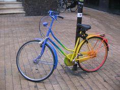 Another wicked rainbow bike --> DIY #SprayPaint #Crafty #Bike