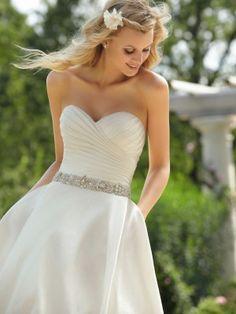 A-Line Ball Gown Strapless Sweetheart Taffeta Wedding Dress