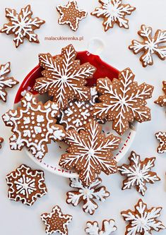 christmas cookies gingerbread Weihnachtspltzchen P - christmascookies Cute Christmas Cookies, Christmas Biscuits, Christmas Sweets, Christmas Mood, Christmas Cooking, Christmas Gingerbread, Christmas Tables, Nordic Christmas, Modern Christmas