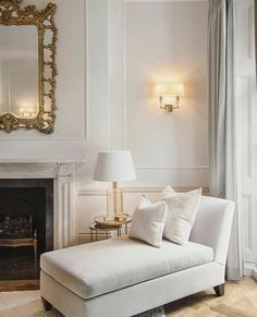 sometimes less is more - elegance is key - Architecture and Home Decor - Bedroom - Bathroom - Kitchen And Living Room Interior Design Decorating Ideas - Living Room Sets, Living Room Designs, Living Room Decor, Living Spaces, Style At Home, Chimney Decor, Interior Decorating, Interior Design, Decorating Ideas