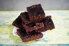 Treats with a healthy attidude! Wer diese Brownies nicht probiert, verpasst wirklich was. Das Eiweiss aus dem Hafer ergänzt das Eiweissprofil der Bohnen optimal. Ein gutes Team sind Bohne und Hafer...