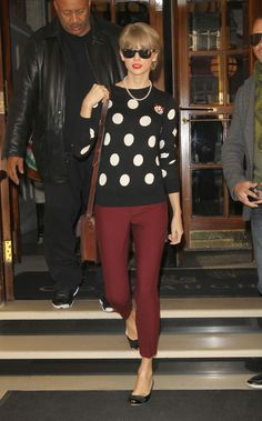Taylor Swift Street Style: A Complete Guide - Celebrity Style - Polka Dot Patterned Sweater and maroon Jeans