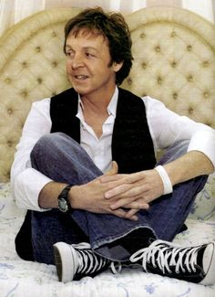 Paul Mccartney. In converse. So much happy.
