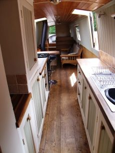 Liverpool Boats 60 Traditional for sale UK, Liverpool Boats boats for sale, Liverpool Boats used boat sales, Liverpool Boats Narrow Boats Fo. Narrowboat Kitchen, Narrowboat Interiors, Barge Interior, Best Interior, Small Rooms, Small Spaces, Canal Boat Interior, Canal Barge, Dutch Barge