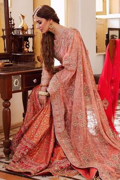 Pakistani Mehndi Dress, Pakistani Bridal Wear, Pakistani Dresses, Bridal Mehndi, Indian Dresses, Mahira Khan Dresses, Bridal Dresses, Girls Dresses, Weeding Dresses