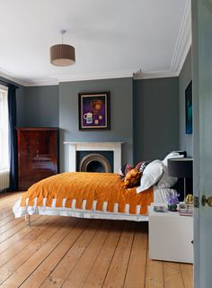 From the archive: artist Bridie Hall of Pentreath & Hall's Canonbury home Bedroom Furniture, Bedroom Decor, Bedroom Ideas, Bedroom Inspo, Bedroom Inspiration, Color Inspiration, Interior Inspiration, Fold Down Beds, Best Interior