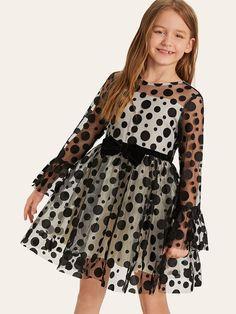 To find out about the Girls Polka-dot Bow Front Tutu Dress at SHEIN, part of our latest Girls Dresses ready to shop online today! Girls Frock Design, Baby Dress Design, Kids Dress Wear, Kids Gown, Baby Frocks Designs, Kids Frocks Design, Cute Girl Dresses, Little Girl Dresses, Dress Girl