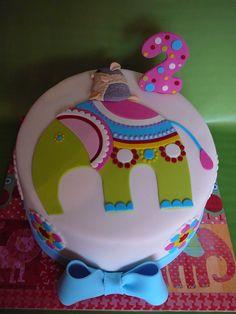 Elephant and Mouse Birthday Cake