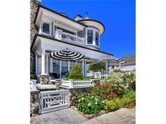 Hamptons inspired custom residence situated on Balboa Island's coveted South Bayfront - Newport Beach, CA (http://www.firstteam.com/ca/newport-beach/810-south-bay-front/5377940/)