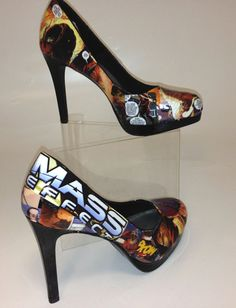 Mass Effect Heels featuring Wrex by KatesComicGeekery on Etsy Mass Effect, Sexy Heels, Crazy Shoes, Custom Items, Video Games, Trending Outfits, Pumps, Unique Jewelry, Normandy