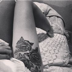 Old school roses tattoo (Love the placement on the hip <3 )