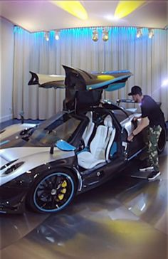 Pagani Huayra Roadster BC 2020 Luxury Cars, Classic Cars, Sports Car, Best Luxury Suv and Exotic Cars Street Racing Cars, Auto Racing, Drag Racing, Exotic Sports Cars, Exotic Cars, Fancy Cars, Cool Cars, New Luxury Cars, Super Sport Cars