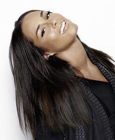 Alicia Keys - one of the most beautiful women in the world ! Beautiful Black Women, Simply Beautiful, Beautiful People, Beautiful Celebrities, Manhattan, Divas, New York, Famous Women, Girl Crushes