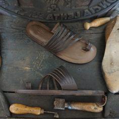 Sandals 2014, Shoes Sandals, Male Sandals, Leather Slippers For Men, Mens Slippers, Mens Flip Flops, Leather Flip Flops, Leather Bag Pattern, Leather Bags Handmade