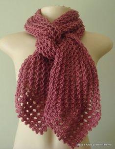 Cachecol confeccionado a mão em tricô e crochê.