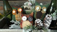 Primitive HOOT OWL bowl fillers, shelfsitters, wool & buttons #NaivePrimitive #Artist Primitive Pillows, Bowl Fillers, Buttons, Table Decorations, Wool, Create, Artist, Artists, Dinner Table Decorations