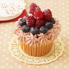 berry cup cake