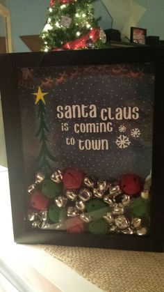 Shadow box Christmas Shadow Boxes, Christmas Frames, Christmas Holidays, Christmas Gifts, Christmas Ornaments, Christmas Vinyl, Christmas Projects, Holiday Crafts, Christmas Ideas