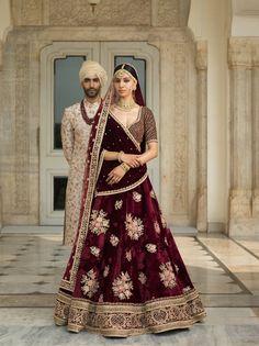 Designer sarees ,indian sari ,bollywood saris and lehenga choli sets. punjabi suits patiala salwars sets bridal lehenga and sarees. Indian Bridal Outfits, Indian Bridal Lehenga, Indian Bridal Wear, Indian Dresses, Bridal Dresses, Sabyasachi Lehenga Bridal, Bridal Sarees, Bridal Lehngas, Bollywood Saree