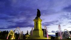 Plaza de Guzmán el Bueno al anochecer #leonesp #nightfall #photography #fotografia #spain