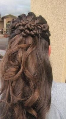 pretty hair http://pinterest.com/NiceHairstyles/hairstyles/