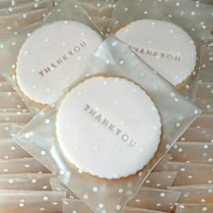 Your place to buy and sell all things handmade Biscuit Wedding Favours, Wedding Cookies, Wedding Favors, Wedding Gifts, Wedding Bells, Wedding Decor, Wedding Ideas, Personalised Biscuits, Personalized Cookies