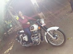 indian lady riding bike 370 - IndiaGirlsOnBike - Women Empowerment Of India