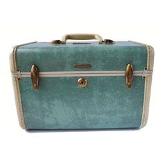 Vintage Samsonite Luggage Green and Tan Marbled Makeup Train Case... (€38) ❤ liked on Polyvore featuring beauty products, beauty accessories, bags & cases, travel kit, make up bag, makeup purse, train case cosmetic bag and train case makeup bag