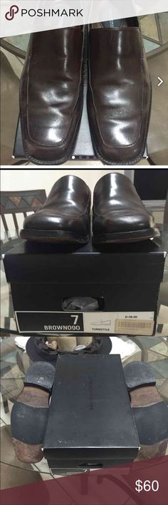 Banana republic dual zone Size 7 1/2 box says 7 but they are 7 1/2. A little mark but not noticeable when wearing Banana Republic Shoes Oxfords & Derbys