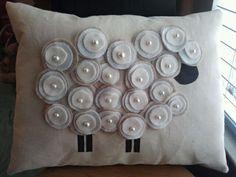 29 ideas crochet pillow sheep for 2019 Sewing Pillows, Diy Pillows, How To Make Pillows, Decorative Pillows, Cushions, Throw Pillows, Sheep Crafts, Felt Crafts, Fabric Crafts