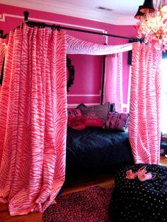 Dorm room decoridea for privacy teen girl bedrooms, kids bedroom, home.