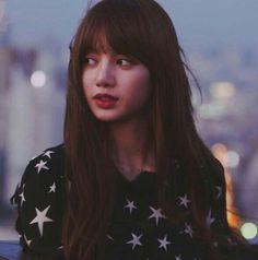 Blackpink Jennie, Blackpink Lisa, Kpop Girl Groups, Kpop Girls, Lisa Black Pink, Lisa Blackpink Wallpaper, Blackpink Photos, Kim Jisoo, K Idol