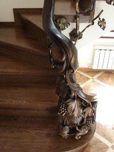 Lovely stair railing ideas exterior made easy Wood Railings For Stairs, Stair Banister, Stair Railing Design, Wooden Stairs, Banisters, Railing Ideas, Escalier Art, Escalier Design, Interior Staircase