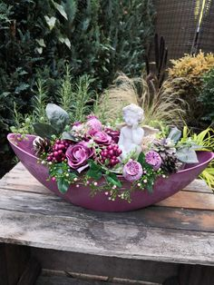 GRAB STECK ANGEL 40 cm commemoration day urn grave All Saints grave jewelry roses - EUR Grave arrangement Grave decoration A grave arrangement worked with great attention to detail, which was o Arrangements Funéraires, Large Flower Arrangements, Grave Decorations, Flower Decorations, Cemetery Flowers, Deco Floral, Funeral Flowers, English Roses, Clematis