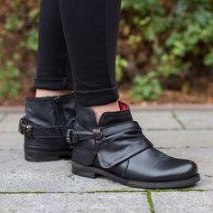 #shoes #woman #fashion #style #love #TagsForLikes #me #cute #photooftheday #instagood #instafashion #pretty #girl #shopping #zeitzeichen #wuerzburg #mode #follow