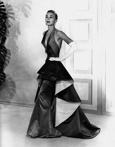 Más tamaños   Sapphire and emerald satin gown, 1953   Flickr: ¡Intercambio de fotos!