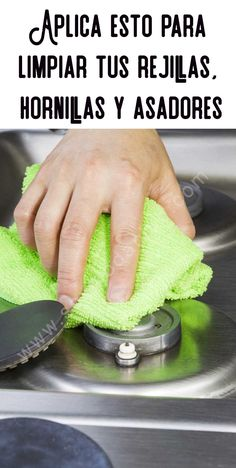 Como limpiar tus rejillas, hornillas y asadores Deep Cleaning Tips, Cleaning Hacks, Cleaning Supplies, Kitchen Hacks, Kitchen Gadgets, Cleaning Appliances, Hard Water Stains, Glass Cooktop, Clean Freak