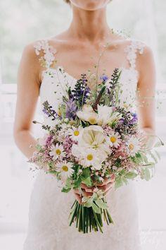 rustic wedding / bukiet rustykalny / fot. Bajkowe Śluby