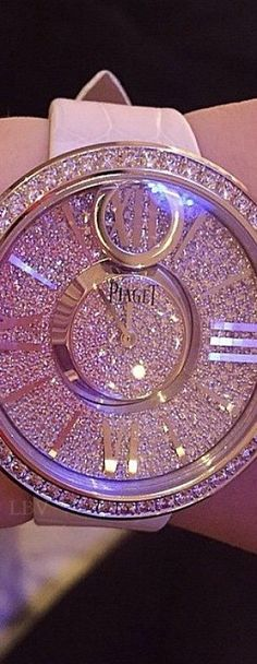 """Pink and gold """"Piaget""""watch Pandora Jewelry, Jewelry Box, Jewelry Watches, Jewelry Accessories, Fine Jewelry, Jewelry Storage, Piaget Jewelry, Body Jewelry, Pink Love"""