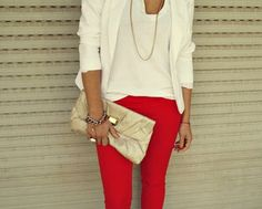 Red skinny jeans- just bought a pair of red skinnies. I LOVE this combo -elm Red Skinny Jeans, Red Jeans, Color Jeans, Skinny Pants, Passion For Fashion, Love Fashion, Jeans Fashion, Colored Pants, Colored Denim