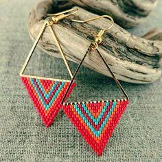 Nouvelles et colorées  #handmade #tissage #brickstitch #miyuki #love #summer #color #bijouxcreateur #rio