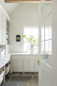 Studio Mcgee, Laundry Room Inspiration, Laundry Room Design, Laundry Rooms, Laundry Area, Kitchen Cabinetry, Custom Cabinetry, House Painting, Home Kitchens