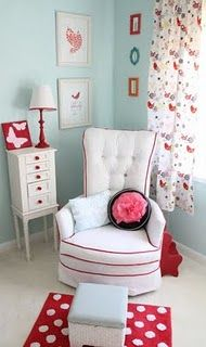color combo - red and aqua this makes my heart skip a beat. I can just see the Olivia books displayed on a cute little white bookcase!