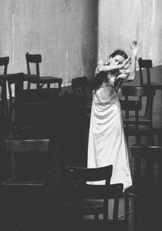 i'm not interested in how people move; i'm interested in what makes them move. -pina bausch