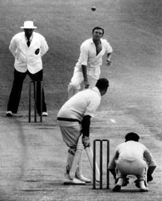 Richie Benaud in pictures: Australian cricketer and commentator dies aged 84 Funny Vintage Ads, Vintage Humor, Richie Benaud, Sports Now, World Cricket, Play N Go, West Indian, Wickets, Australia