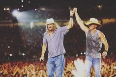 Kid+Rock+Surprises+Kenny+Chesney+Audience+in+Detroit+[Watch]
